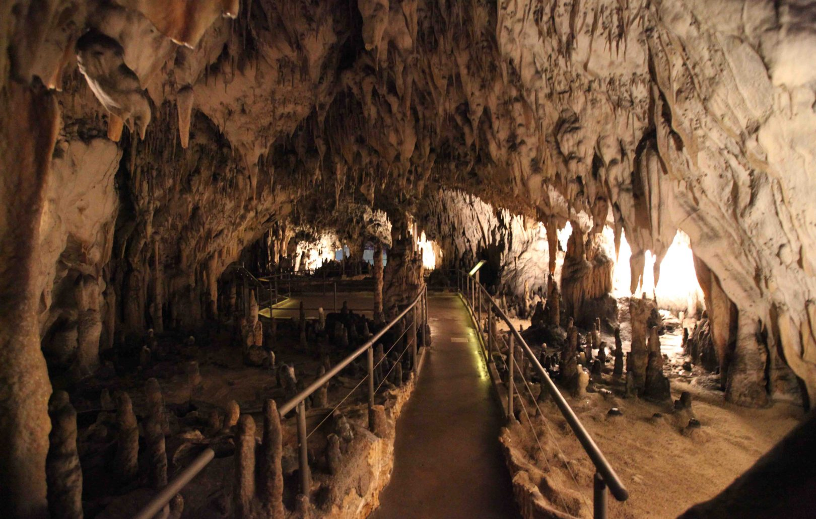 This image has an empty alt attribute; its file name is wp-postojna-cave-28.jpg
