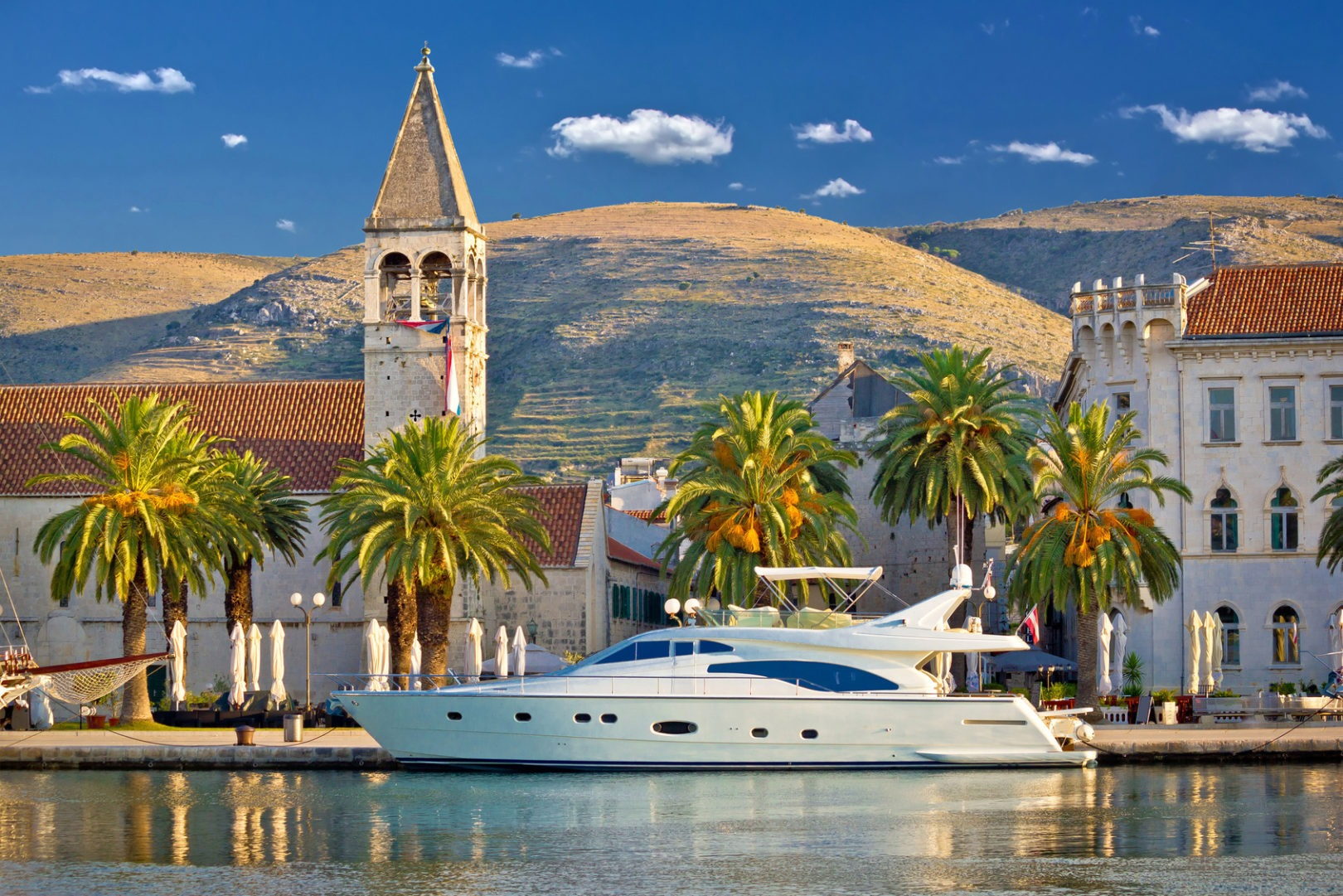 This image has an empty alt attribute; its file name is Luxury-Traveler-Croatia-Adverntures-Croatia.jpg