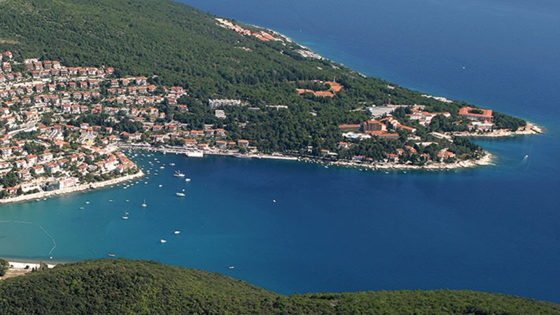 This image has an empty alt attribute; its file name is Rabac-Istria-Adventures-Croatia.jpg