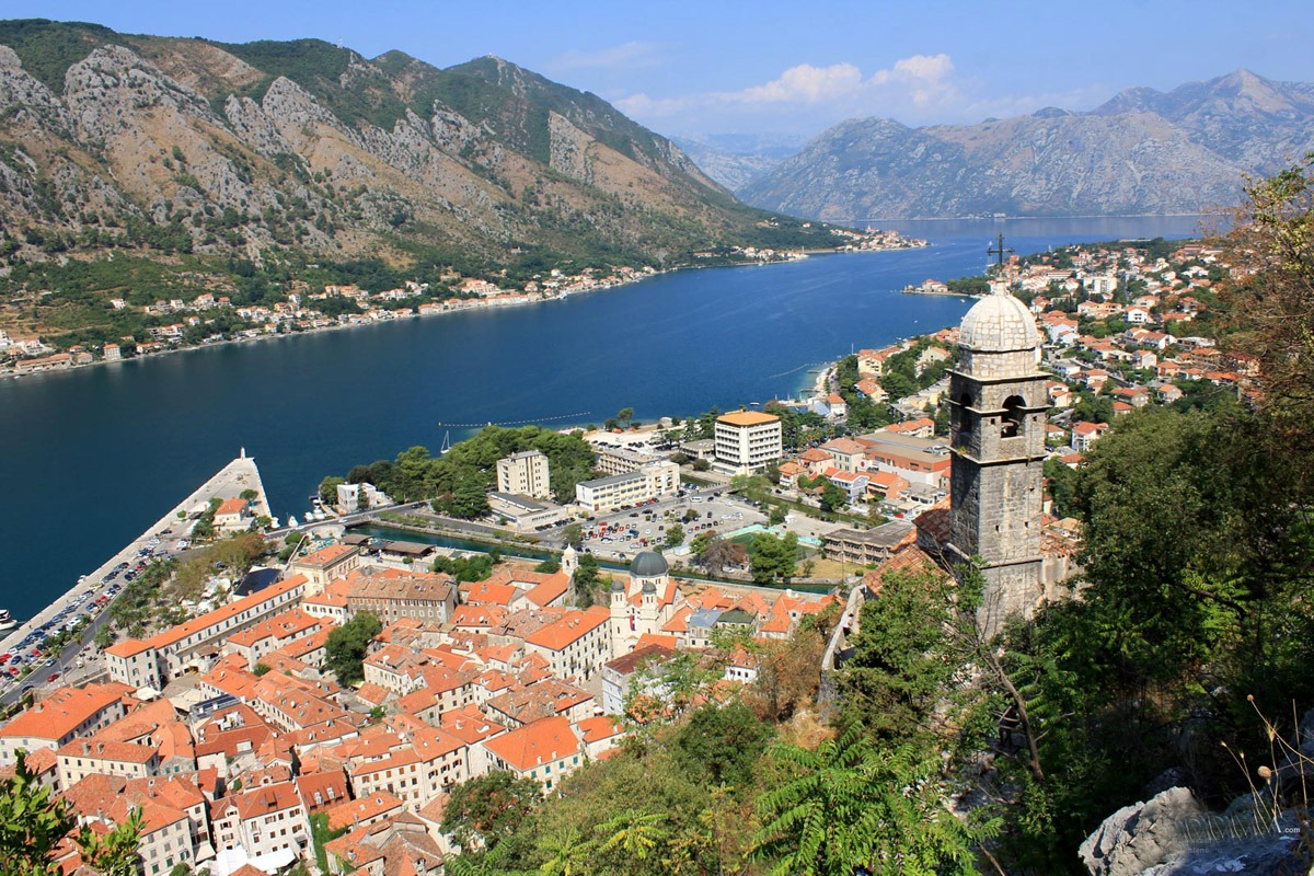 This image has an empty alt attribute; its file name is Kotor-Montenegro.jpg
