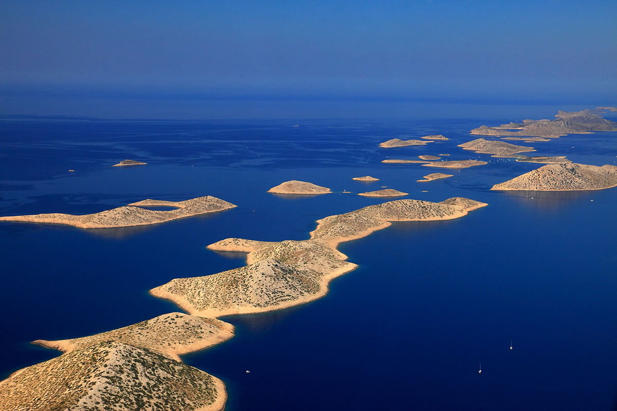 This image has an empty alt attribute; its file name is Kornati-national-park.jpeg