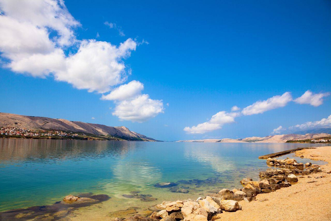 This image has an empty alt attribute; its file name is Pag-island-Croatia.jpg