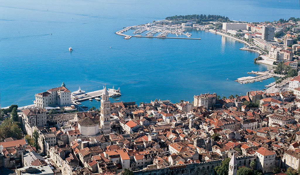 This image has an empty alt attribute; its file name is Split-Croatia-Aerial-View-On-City-Harbor-Diocletians-Palace-Adventures-Croatia-Custom-Travel-Tours.jpg